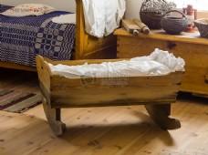 木制儿童摇篮