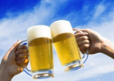 干杯  啤酒节图片