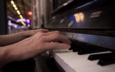 钢琴摄影图