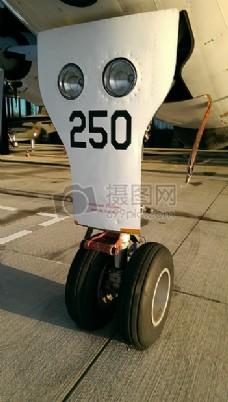 飞机的黑色轮子