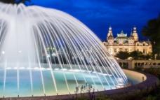 摩纳哥喷泉夜景图片