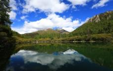 稻城雪山图片