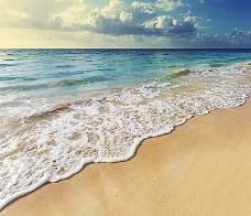 海滩上的浪花图片