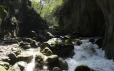 深谷小溪图片