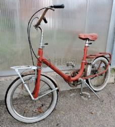 红色的自行车