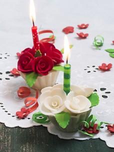 蜡烛与奶油蛋糕