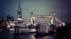 夜色下的伦敦塔桥