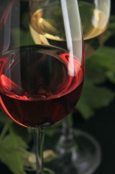 红色葡萄酒图片
