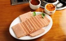 烤肉 午餐肉图片