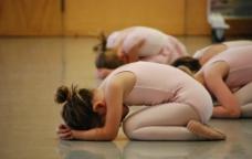 芭蕾舞练习图片