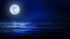 夜晚的海洋与圆月视频素材
