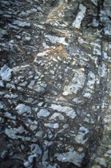 黑白相间的岩石素材
