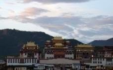 松赞林寺图片
