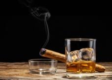 唯美威士忌图片