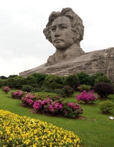 毛泽东雕像图片