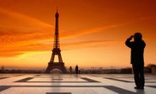 黄昏埃菲尔铁塔图片