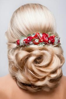 时尚新娘盘发发型图片