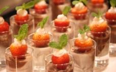 草莓甜品图片