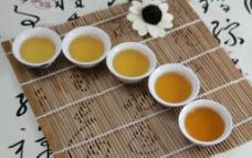 茶汤茶色图片
