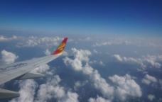 飞机云层图片