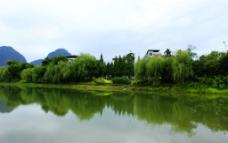 琴潭边倒影图片