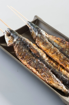 烤秋刀鱼图片