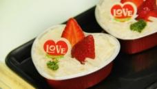 草莓慕斯蛋糕图片