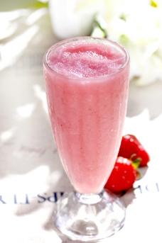 草莓冰沙图片