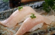 黄狮鱼寿司图片