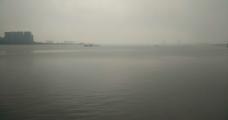 江上新雨图片