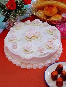 奶油玫瑰花蛋糕图片