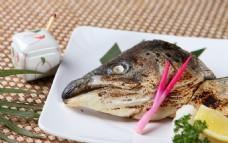 盐烤三文鱼头