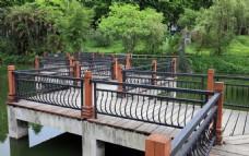 人工湖九曲桥