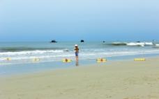 银滩散步图片