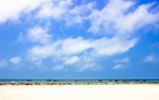北海银滩蓝天白云图片