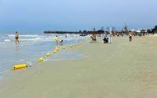 北海银滩浴场警戒线图片